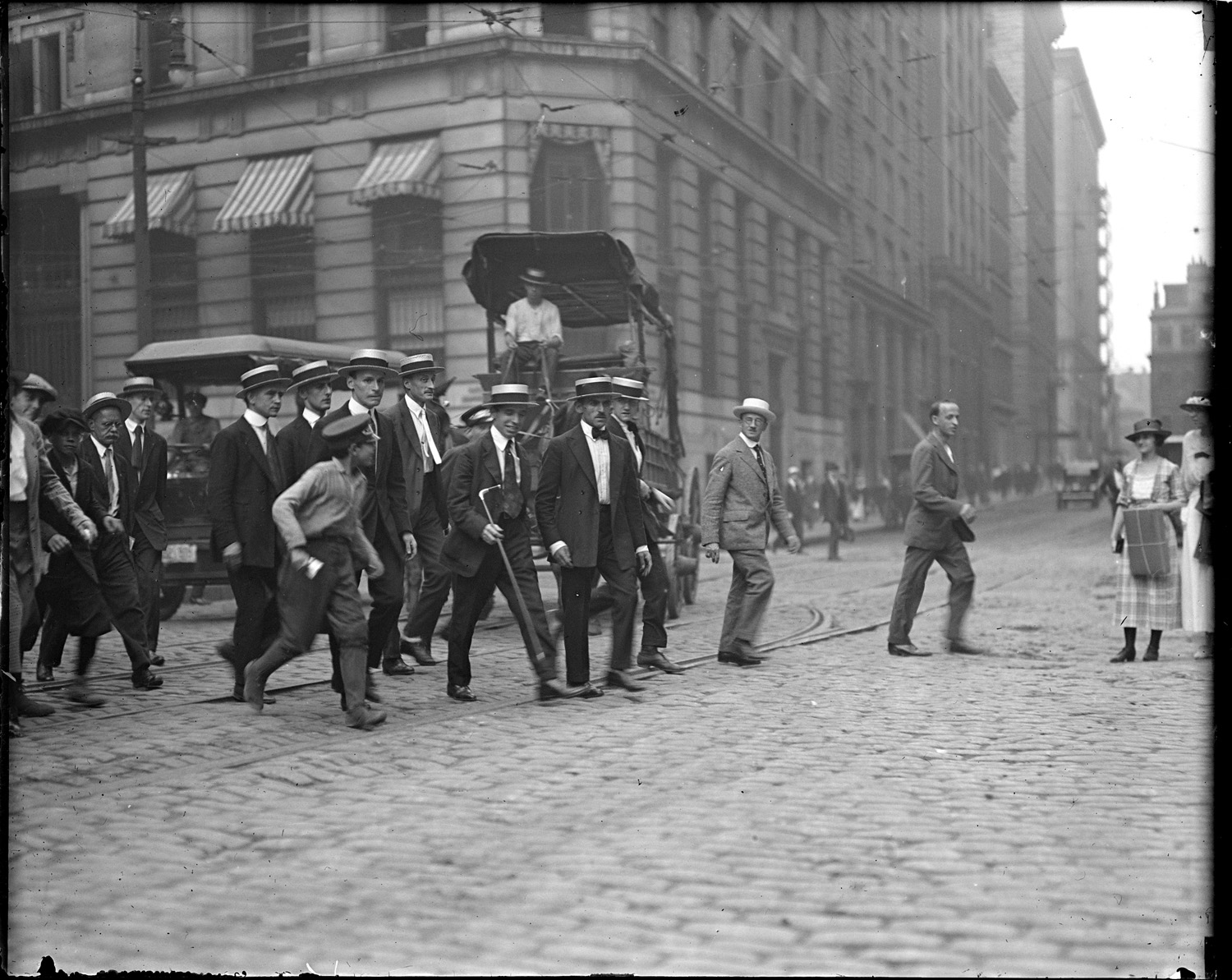 Charles Ponzi en route to a court appointment